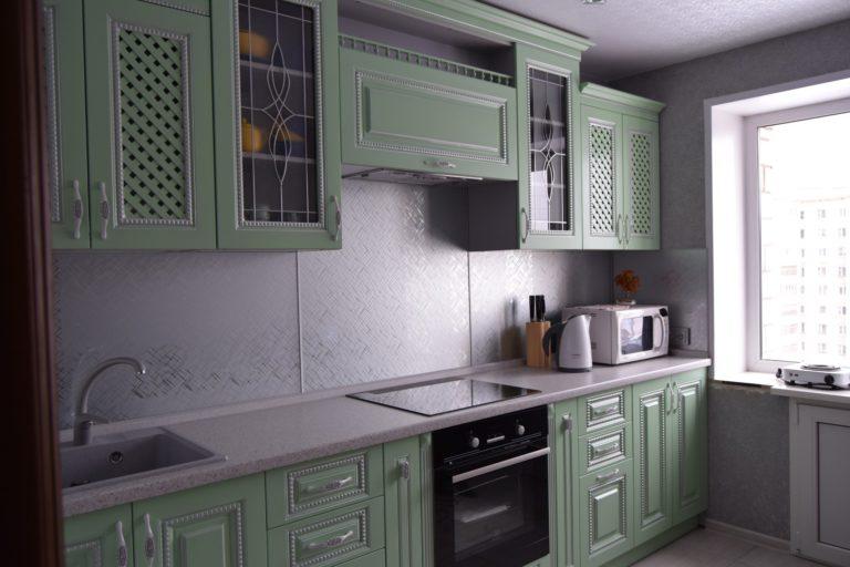 Кухня с эмалированными фасадами