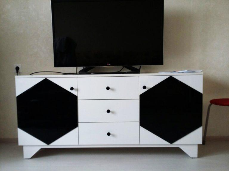 Тумба под телевизор (необычный дизайн)