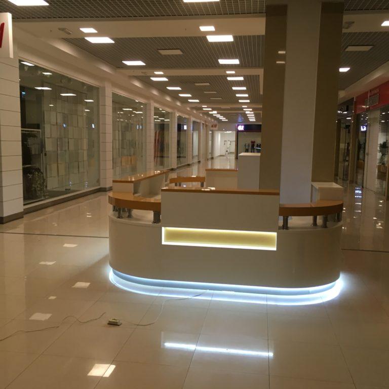 """Стойка продаж в ТРЦ """"Италмас"""""""